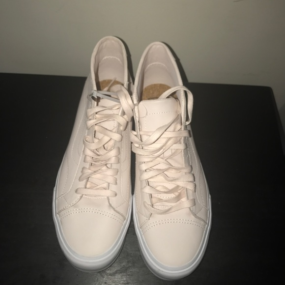 Light pink leather vans sneakers b04e9e12a7f9